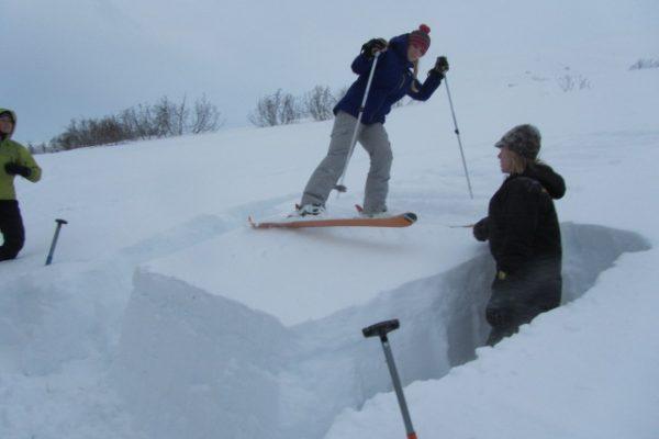 Emily Fairbanks conducts skier test of the Rutschblock