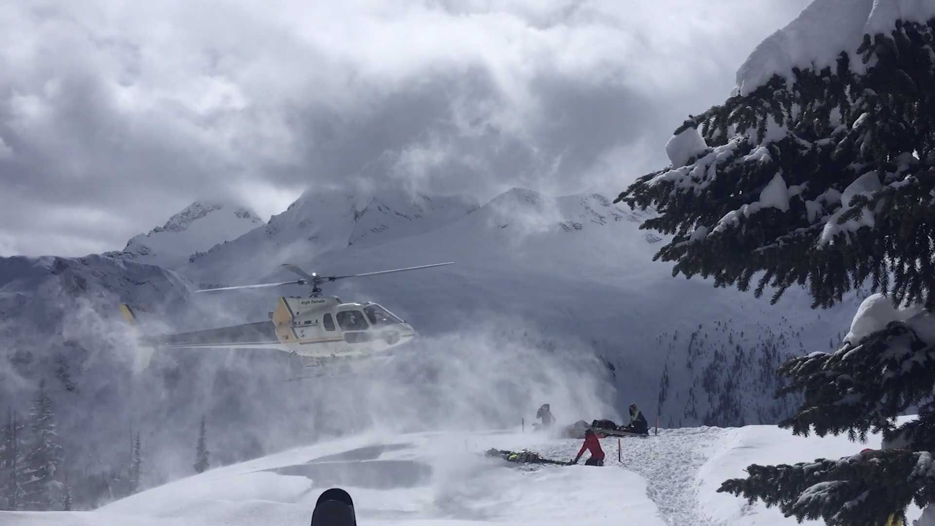 British Columbia backcountry-skiing with a helicopter
