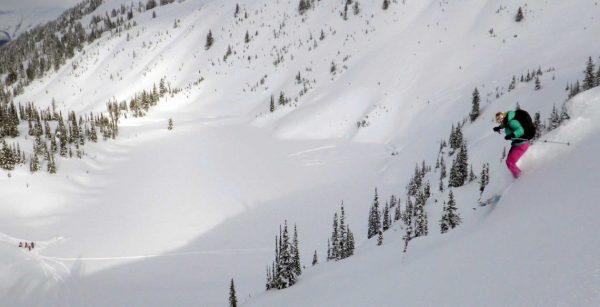 pink-pants-skiing